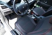 Фото 5 - Чехлы MW Brothers Renault Fluence (2009-н.д.), красная нить