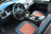 Фото 3 - Чехлы MW Brothers Volkswagen Touareg II Life, TDI (2011-2018), коричневая алькантара + коричневая нить