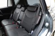 Фото 3 - Чехлы MW Brothers Toyota RAV4 III (2005-2013), красная нить