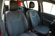 Фото 7 - Чехлы MW Brothers Renault Logan II MCV (2012-2014), красная нить