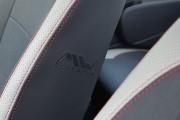 Фото 8 - Чехлы MW Brothers Renault Sandero I (2008-2012), светлые вставки + красная нить