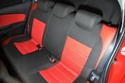 Фото 5 - Чехлы MW Brothers Toyota Yaris III (2010-2014), красные вставки + красная нить