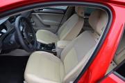 Фото 2 - Чехлы MW Brothers Volkswagen Golf VII Hatchback (2013-н.д.), полностью бежевые + красная нить