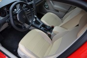 Фото 3 - Чехлы MW Brothers Volkswagen Golf VII Hatchback (2013-н.д.), полностью бежевые + красная нить