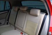 Фото 4 - Чехлы MW Brothers Volkswagen Golf VII Hatchback (2013-н.д.), полностью бежевые + красная нить