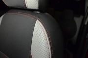 фото 7 - Чехлы MW Brothers Citroen C3 Picasso (2009-н.д.), светлые вставки + красная нить